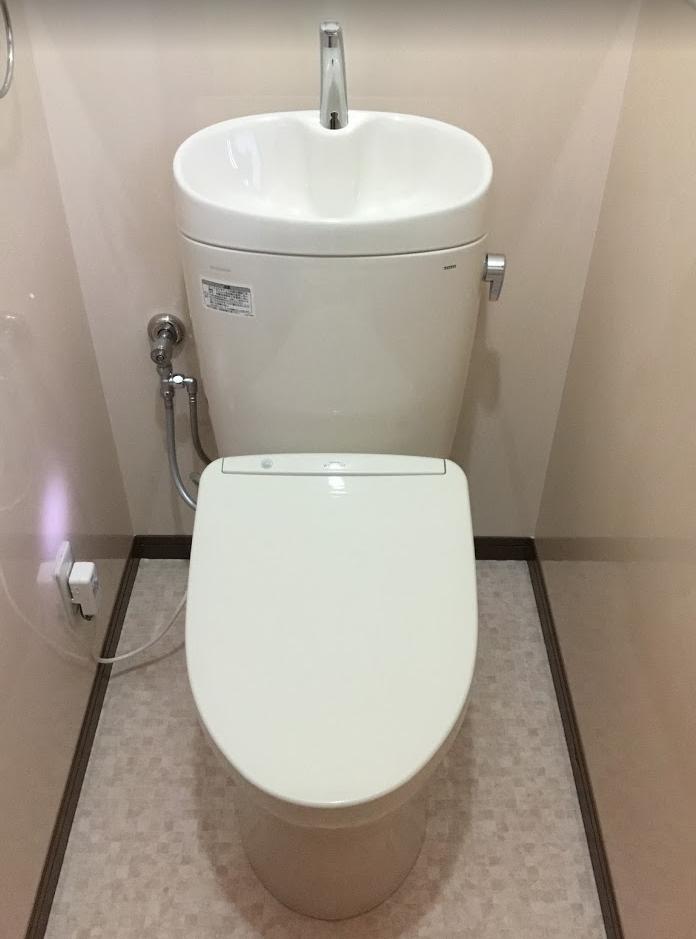 掃除のしやすいキッチンパネル腰壁&トイレリフォーム☆