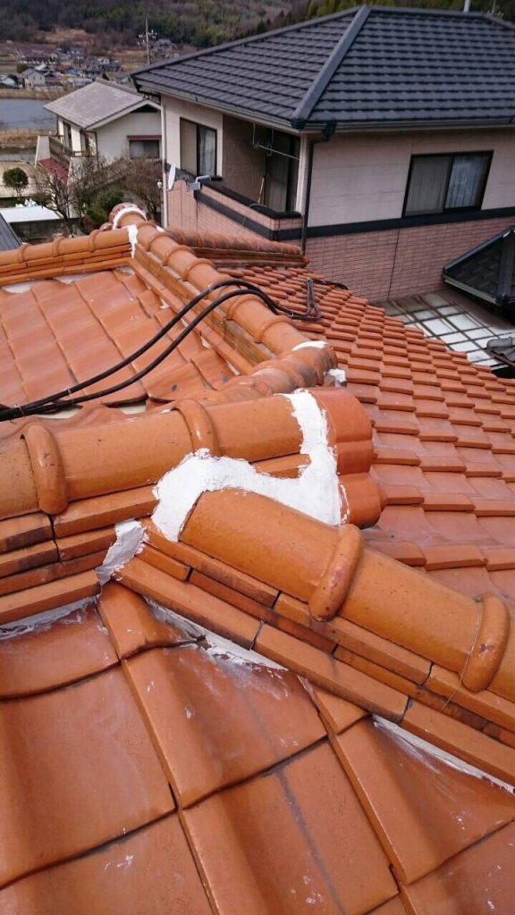 屋根の漆喰補修で雨漏り予防。