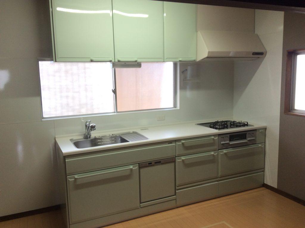 【キッチンリフォーム工事】コンパクトだけど収納たっぷりなキッチンへ。