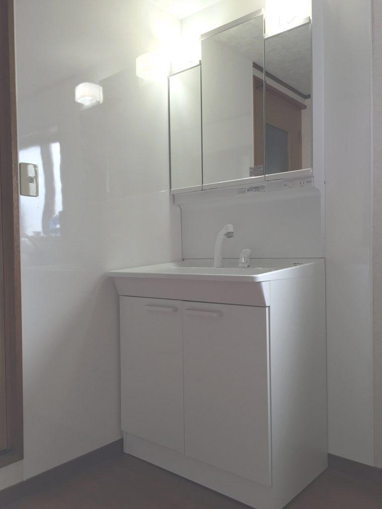 【洗面所改修工事】清潔感のあるスッキリとした空間に