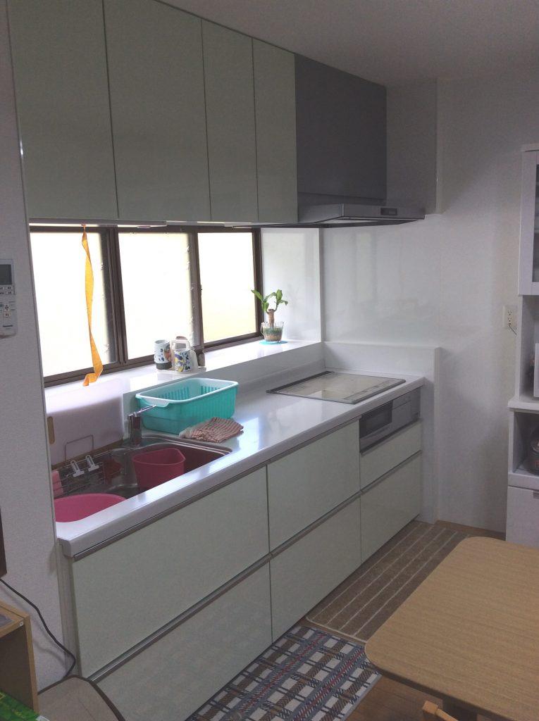 【キッチン改修工事】たっぷり収納のシステムキッチンになりました。