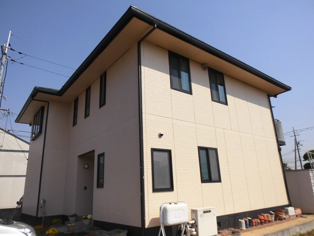 【外壁塗装工事】家族を明るく迎えてくれる家