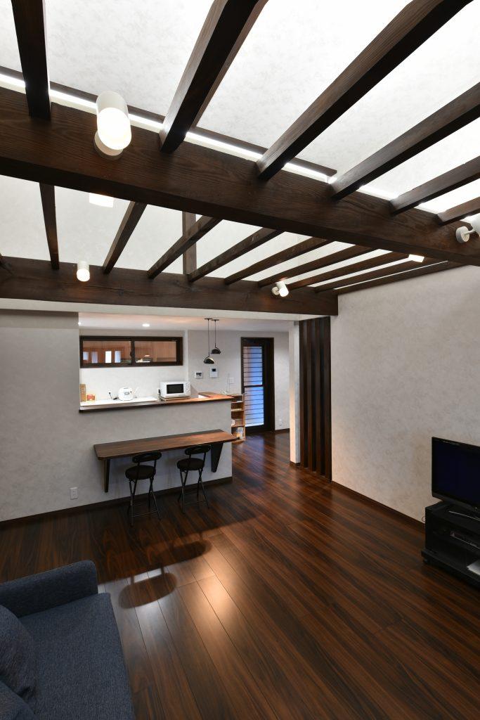 部屋数が多く広い家をコンパクトに減築