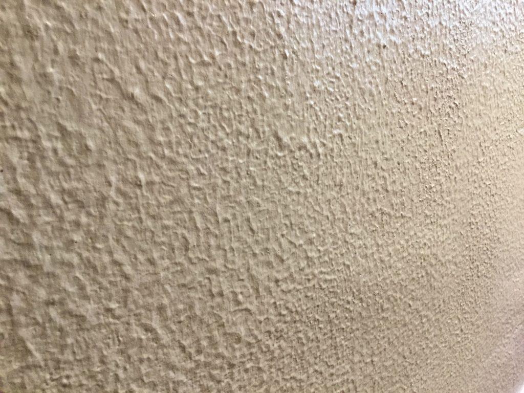 【トイレ壁塗装工事】暖かみのあるリラックス空間に
