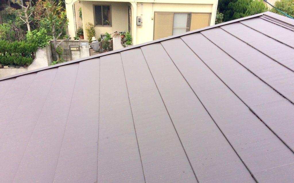 金属屋根で見た目も格好よく、耐久性も高める!