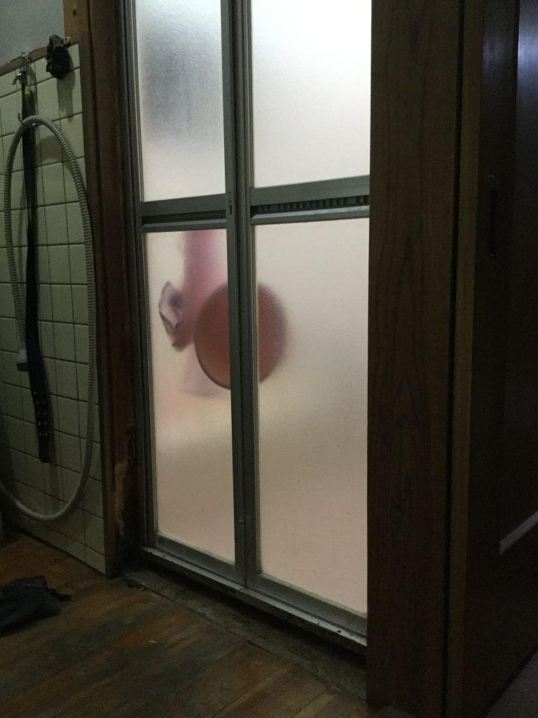 【洗面所リフォーム工事】床の貼り替え&木枠交換
