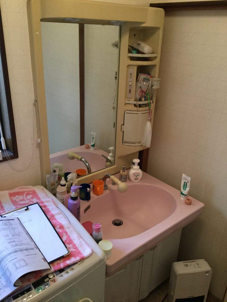 【洗面化粧台交換工事】抜群の収納力でスッキリとした洗面スペースに