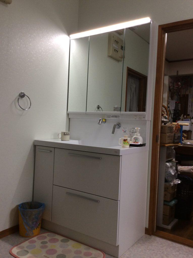 【洗面化粧台交換工事】たっぷり収納でスッキリしました