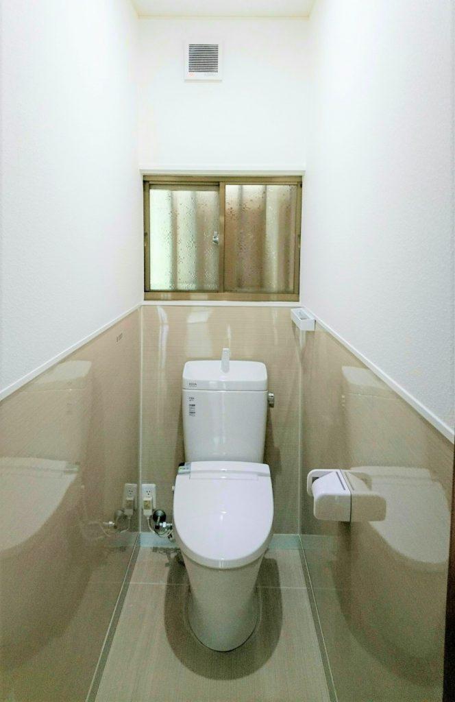 お手入れしやすいトイレ空間に。