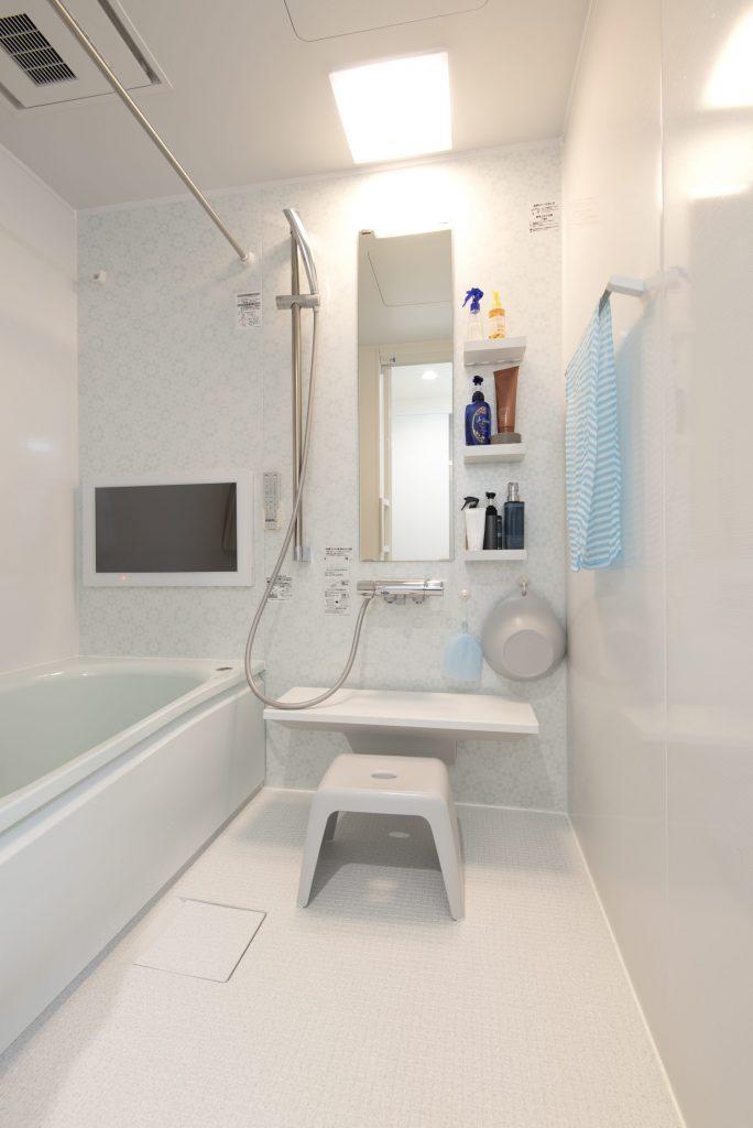【浴室・洗面所】TV付きのお風呂で一日の疲れを取りましょう