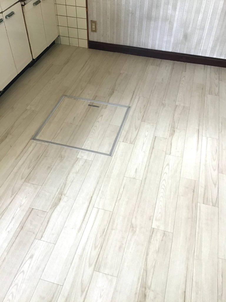 【キッチン床張り替え】半日で出来る簡単リフォーム