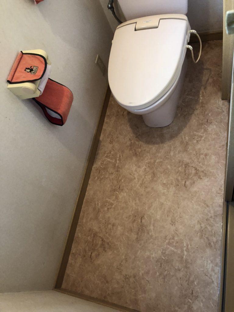 【トイレ床補修】漏水でぐずぐずになってしまった床をきれいに