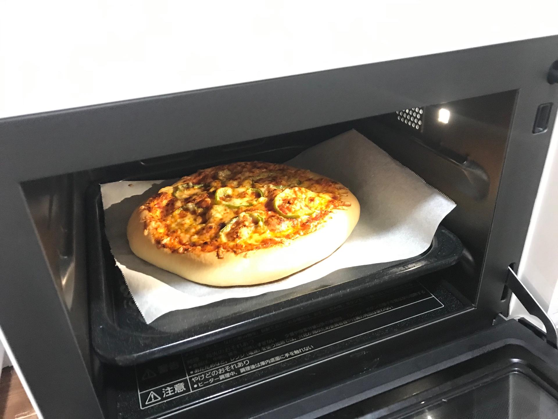 久しぶりにパン?(ピザ)を作りました。