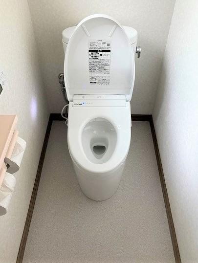 フチなし形状のTOTOトイレでお手入れラクラク