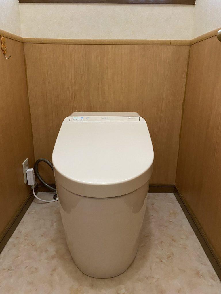 見た目も清掃性も抜群にかっこいいトイレになりました♪