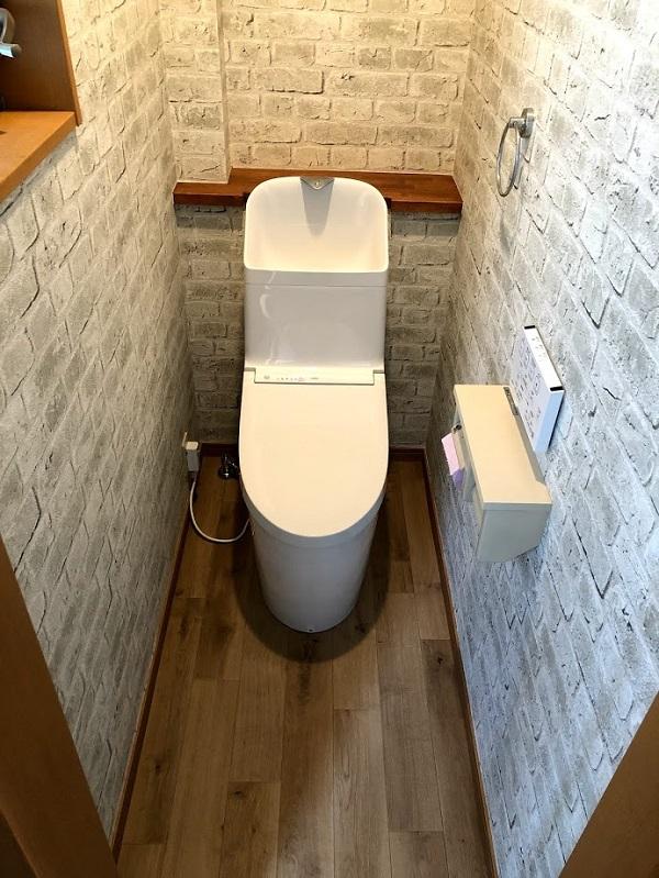 水漏れで劣化した床もトイレと一緒に直せます!