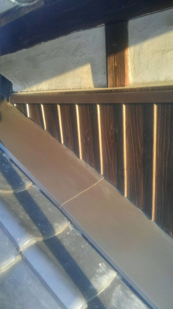 【外壁張り替え】焼き板⇒プリント鋼板貼替