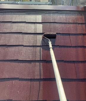 屋根も手塗りでします