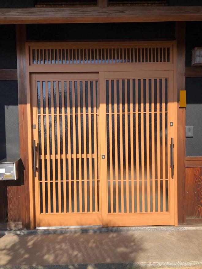 木製玄関をアルミの和風玄関にモデルチェンジ!