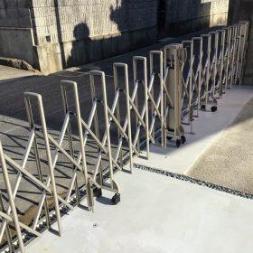 外構工事 伸縮ゲート設置